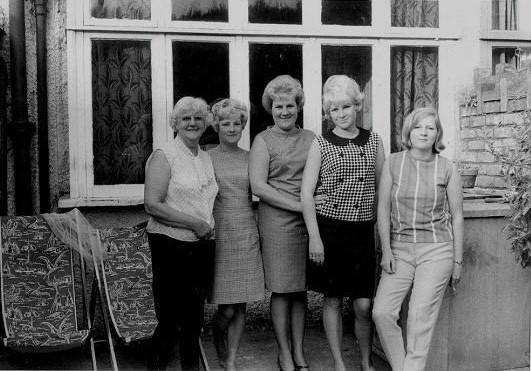 Ceinwen, Pearl, Yvonne, Carole and Sandra